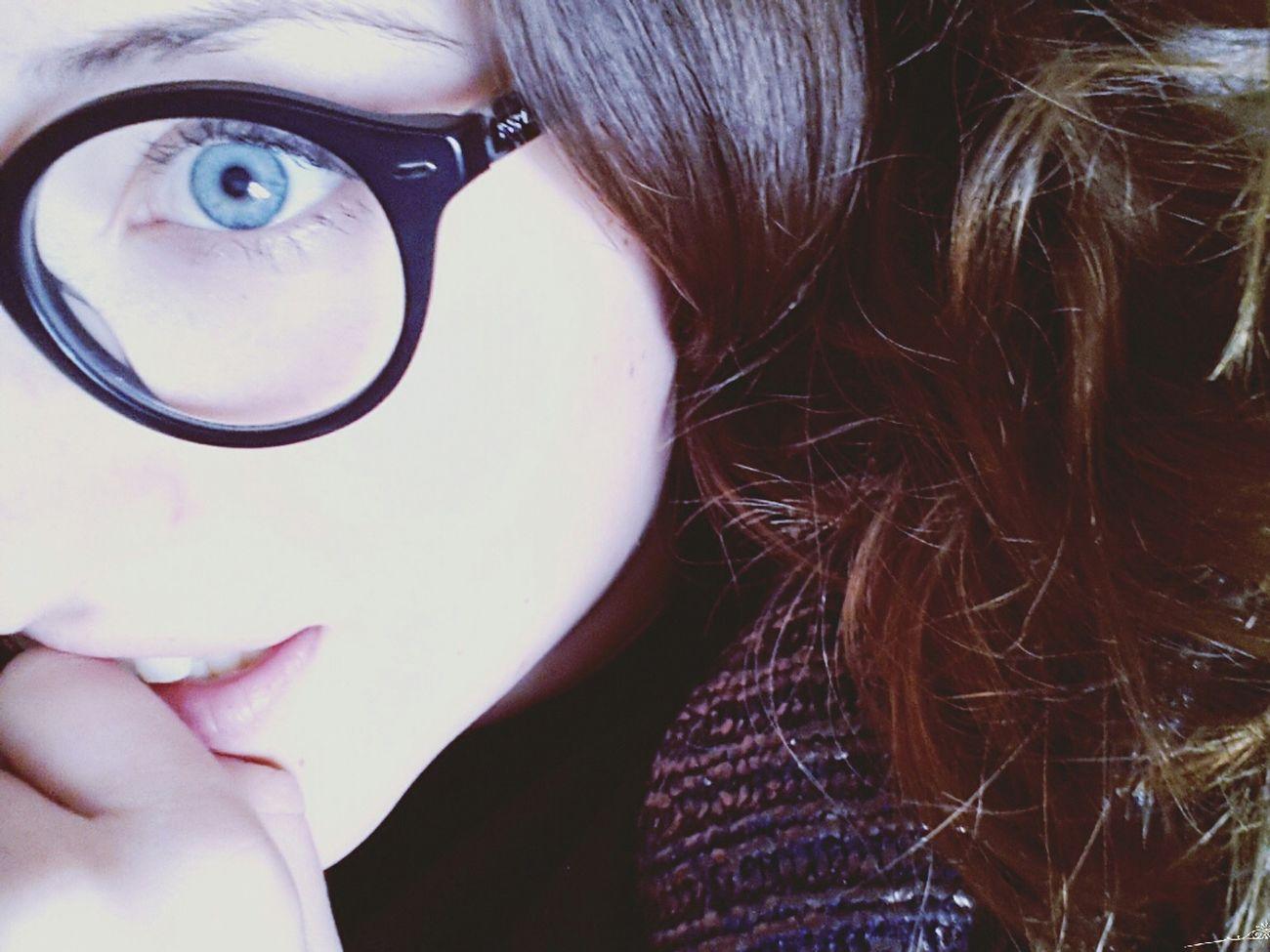 Kik: loris133 i'm boooooooored, so sooo bored. No filter. Eyes Me Relaxing Studying Helpme Kisses Babies 😍???