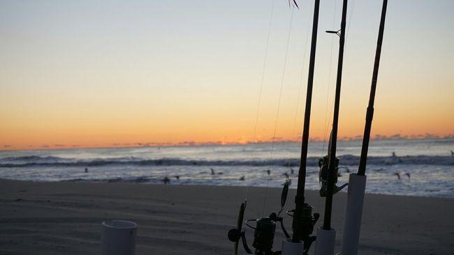 Easylikesundaymorning Oceanview Sunshine Firstlight Sunrise Surffishing Longislandlife Crashingwaves Ocean Beach South Shore Washed Up Fishingpoles