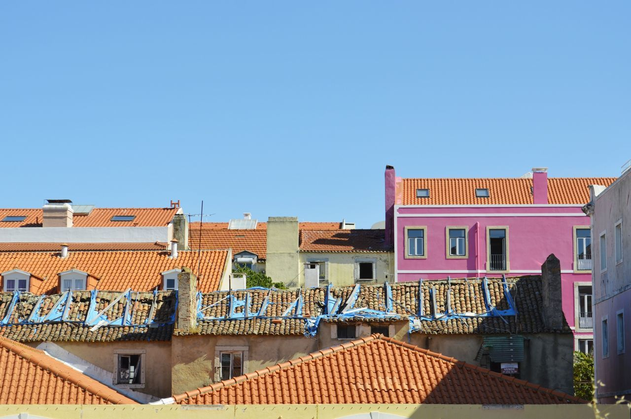 Architecture Roof Building Exterior Built Structure Streetphotography Street Photography WeekOnEyeEm EyeEmNewHere Art Is Everywhere Architecture Rustic Architecture_collection Architecturephotography Architectural Feature Minimal Pink Color Colorful Buildings Colorsplash The Architecture - 2016 Eyeem Awards Lisboa, Portugal