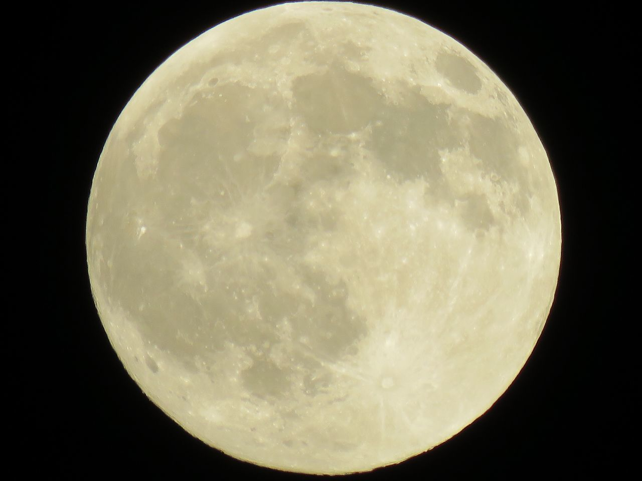 """A full moon in August is called """"sturgeon moon"""" ( Info from PACIFIC PRESS/GETTY) The full moon that will rise in the sky on 18 August 2016 is known as the """"Full Sturgeon Moon"""". It may sound strange to associate Earth's natural satellite with a fish, but the origins of this tradition are ancient, and find their roots in native American cultures of the past. Ancient tribes of native Americans indeed gave poetic, colourful names to each full moon of the year. These denominations reflected the changes happening in their natural environment. JustGPhotos Full Sturgeon Moon August 2016 Moon Full Moon No Edit/no Filter Moon Moon_collection Lunar Earth's Satalight Earth's Moon Canonphotography North Carolina Moon Pivotal Ideas Color Palette"""
