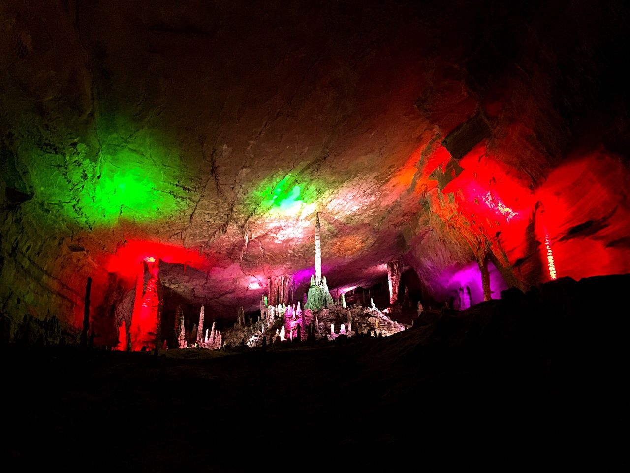 Colors and lights in cave Cave Rocks Rock Formation Colors Colorful Multicolors  Lights Underground HuangLongCave Huanglongdong Hunan China Colour Of Life Indoors  Interior Style Eyeemphoto My Favorite Place