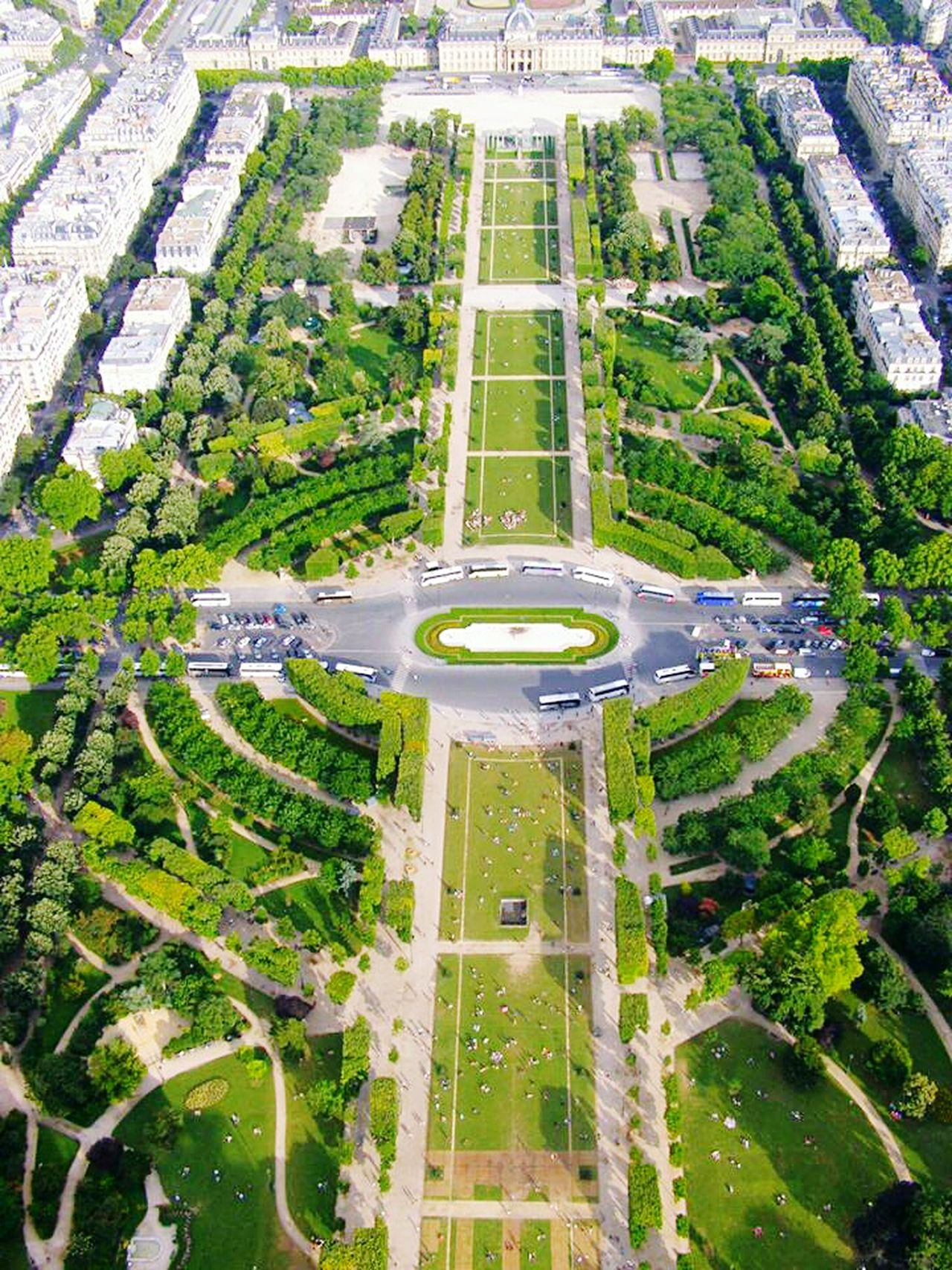 Mars Champs De Mars De Mars Aerial View Green Color High Angle View No People Tree Day Outdoors plane Plane Extreme Terrain Architecture Cityscape Beauty In Nature Tree Nature Eiffel Tower Eiffeltower🇫🇷😛😛 Paris Built Structure Sky Panoramic
