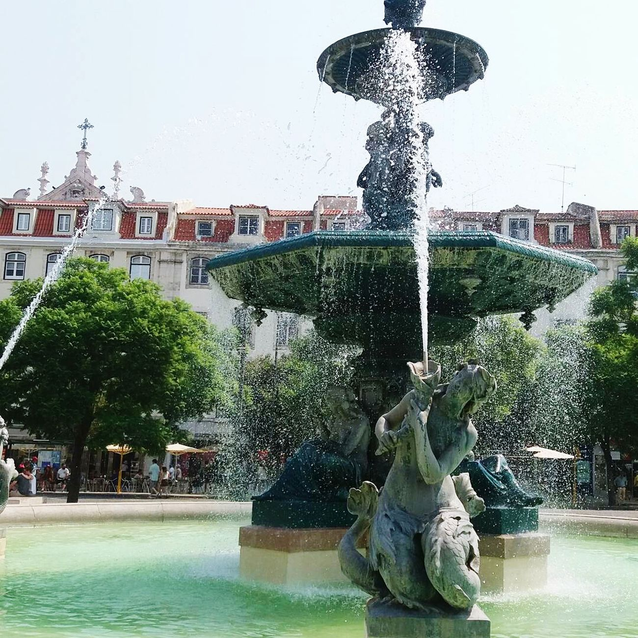 Praca do rossio lisboa Statue Sculpture Fountain Water Motion Spraying Travel Destinations Photographing Exterior Lisbon Portugal Photography City Scenics Casualphotography Colour Patterns Lisboa, Portugal
