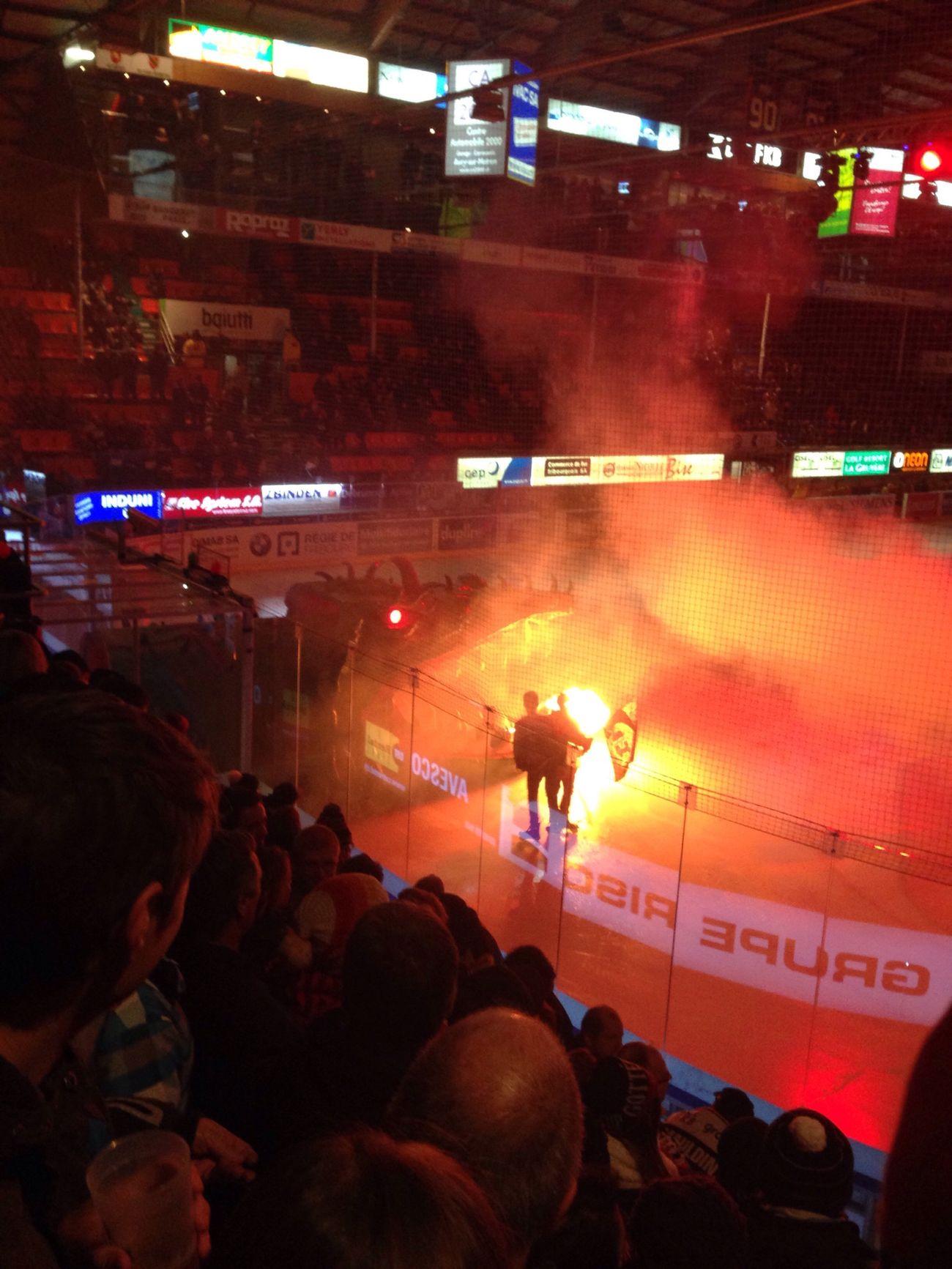 Dragon Fire Fribourg Gotteron❤️ Switzerland Icehockey Watching Ice Hockey Icehockey <3 Fribourg-Gotteron VS. EHC Biel (3:0)