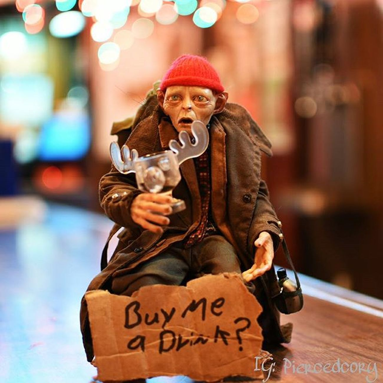 Cheers! Remember to tip the staff and drink responsibly! Drunktoys Smeagol Neca