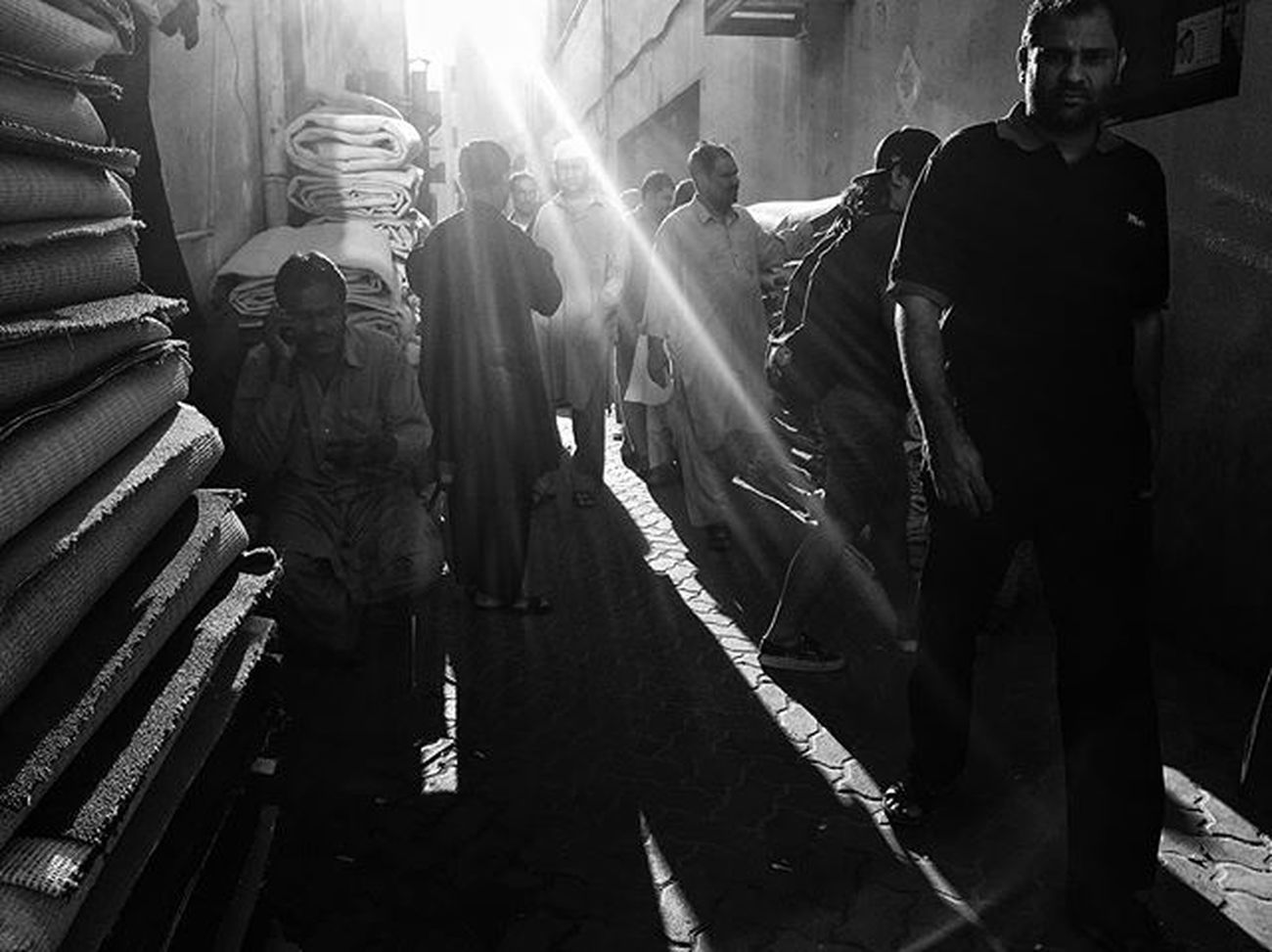 LitratistaSaDaan Daandxb NaifscenebyDay Dubaistreets Bnw_worldwide Everydaymiddleeast Bnw_universe Photooftheday Blackandwhitephotography Streettogs PW Igers Streettogs