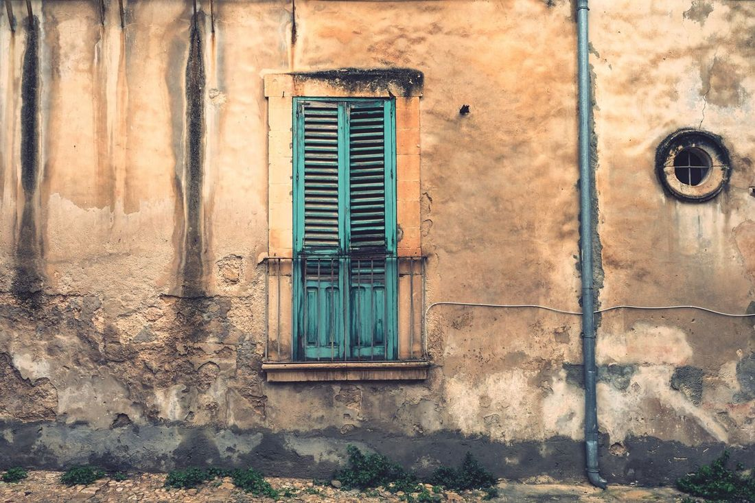 Retired house in Noto. Built Structure Architecture No People House Building Exterior Door Old Old Buildings This Week On Eyeem EyeEm Gallery EyeEm Photography Sicily Italy Noto