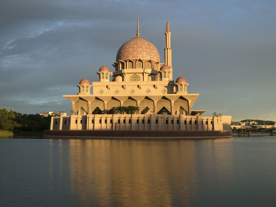 Architecture Building Exterior Cloudy Cloudy Day Cloudy Sky Dome Famous Place Golden Golden Hour Islam Kubah Malaysia Masjed  Masjid Masjid Putra Masjid Putrajaya Masjidputra Mosque Place Of Worship Putra Mosque Putrajaya Putrajaya Mosque Religion Tourism Travel Destinations First Eyeem Photo