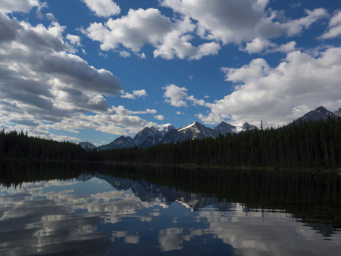 Alberta Beauty In Nature Canada Cloud - Sky Day Lake Landscape Lanscape Mirror Lake Mountain Mountain Range National Park Nature Nature Nature Photography Nature_collection No People Outdoors Reflection Scenics Sky Tranquil Scene Tree Water Waterfront
