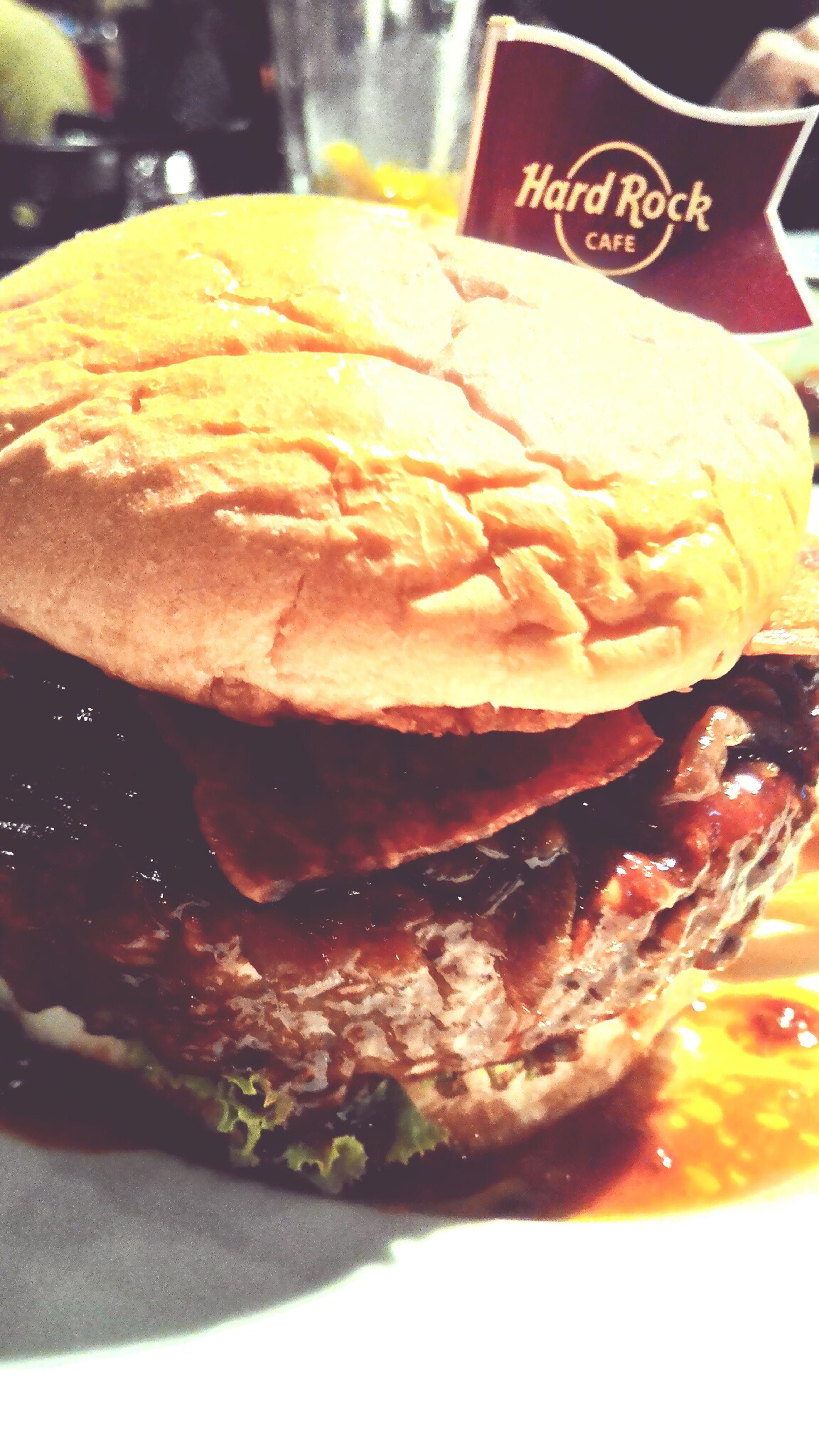 Hardrockcafe Im Full As Hell. Big Burger Yummy Nom Nom Nom Nom Nomnomnomnom What The Fuck Is Nom Wink Nom For Fun