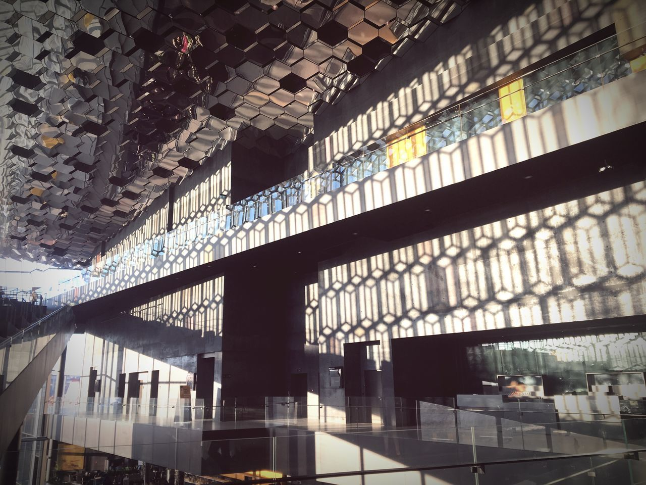 Harpa Harpa Reykjavik Architecture Glass Façade Reykjavik Capital Cities  Iceland Opera House Interior Architecture Indoors  Glass Light Reflection Hexagon Structure Olafur Eliasson Public Places No People