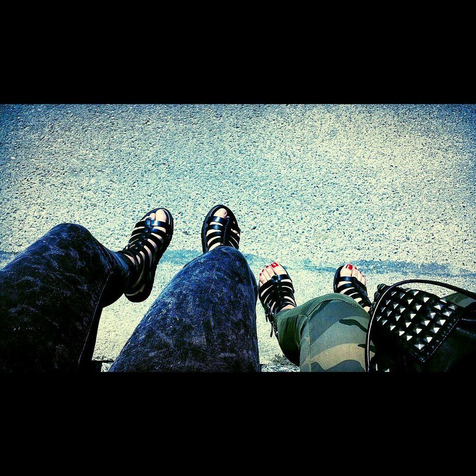Priska & me Streetphotography Streetstyle Spartiate Bleached Jeans Springtime Lacleman Cherrypopy Friendship Quaigustaveador