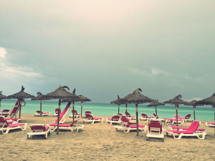 Beach Beachview Beach Chairs Beach Umbrella Beach View Beachside In Mallorca , Strand Strand ♥ Strandspaziergang auf Mallorca , Plage 🌴 Plage Parasol Parasols Sonnenschirm Sonnenschirme Sombrilla Sombrillas