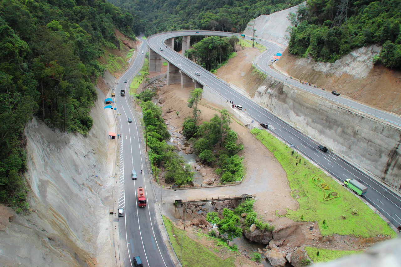 Road of KELOK 9 Aerial Photography Aerial View Aerial Shot Flyover Streetphotography Roadsidephotography Infrastructure Indonesia_photography Global Photographer Works Exhibition EyeEm Indonesia Global Photographers Alliance Highway Photography In Motion Sumateta Barat Minangkabau Rancak