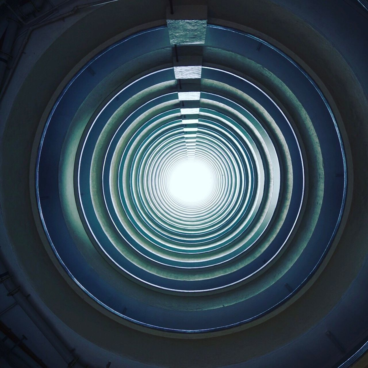 circle, built structure, architecture, no people, indoors, low angle view, day, close-up