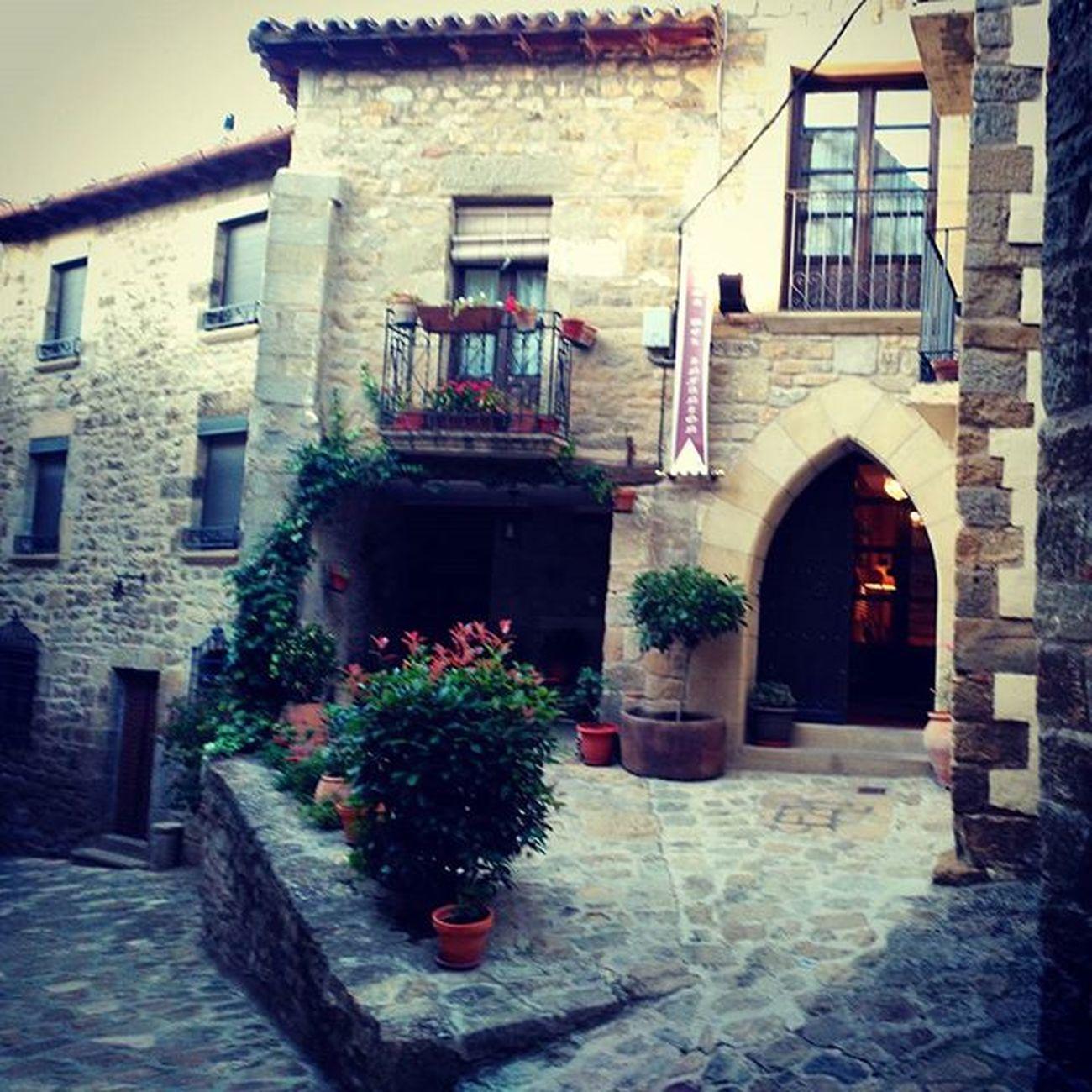 Empezando a disfrutar del premio de Civitur en Casadelinfanzon porque YovisitoCincoVillas Sosdelreycatolico igersaragon Aragón travel amazing