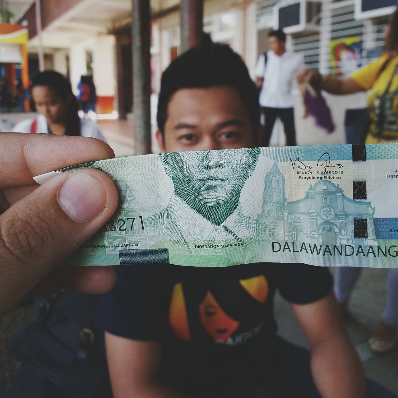 Yes! Got my hands on em P200 bill. Faces EyeEm Fun Eyeemphotography Green EyeEm Gallery Money Moneyface Creative Currency Eyeem Philippines EyeEm Best Shots Philippines Samsung Galaxy Camera Classmate School Pesos Paper View