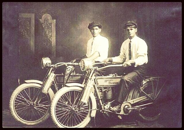 William Harley And Arthur Davidson: Harley Davidson Legend William Harley & Arthur