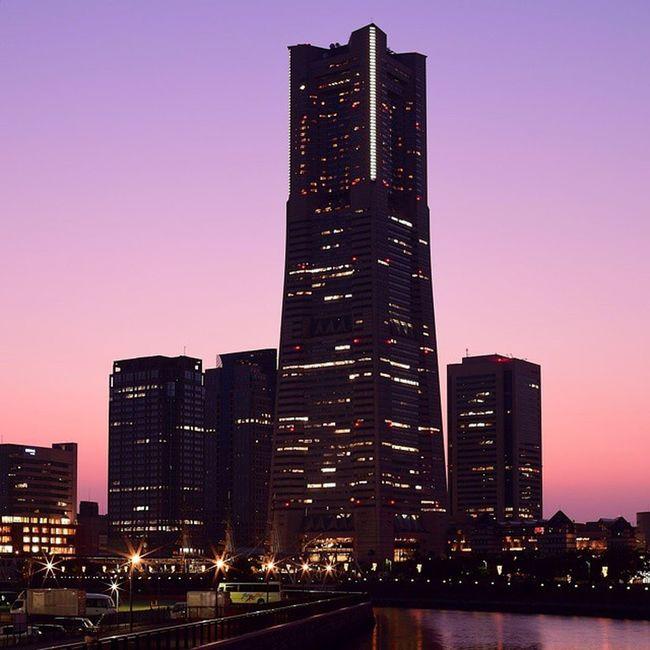 ワタシイロ 横浜ランドマークタワー Yokohama, Japan 光芒萌え Dusk Dusk Colours My Favorite Photo