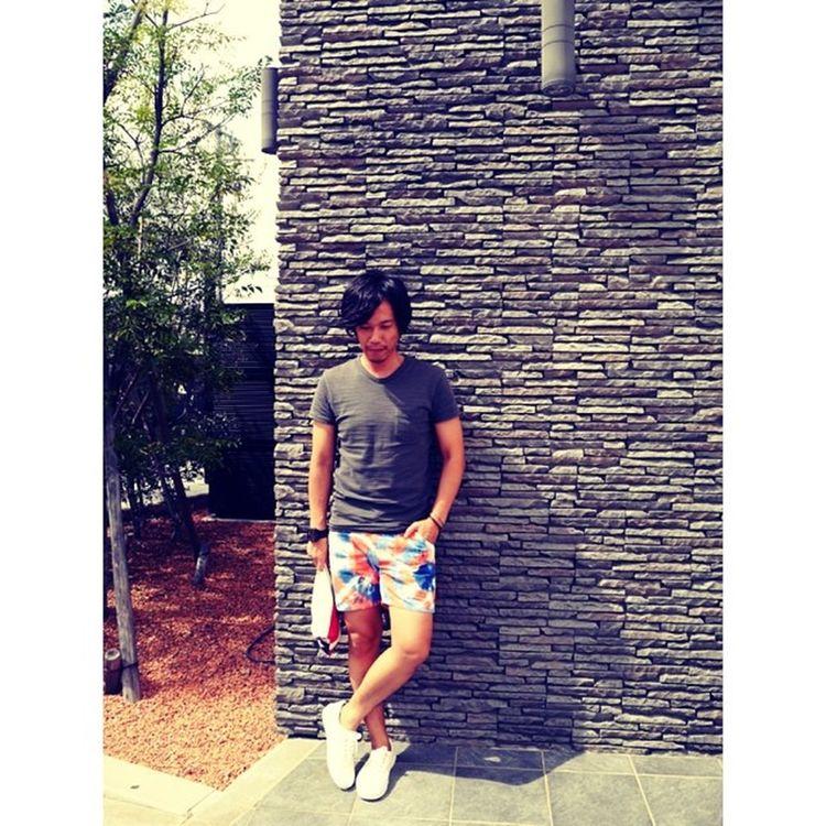 ⋆ ⋆ やっと陽射しが出ました☀︎ 暑いのでスタバで休憩中◡̈⃝ ⋆ RHC T-shirt ⋆ OP × RHC Tie-dye ⋆ vans × ronherman ⋆ #rhc#rhcronherman#ronherman#OP#vans#nixon