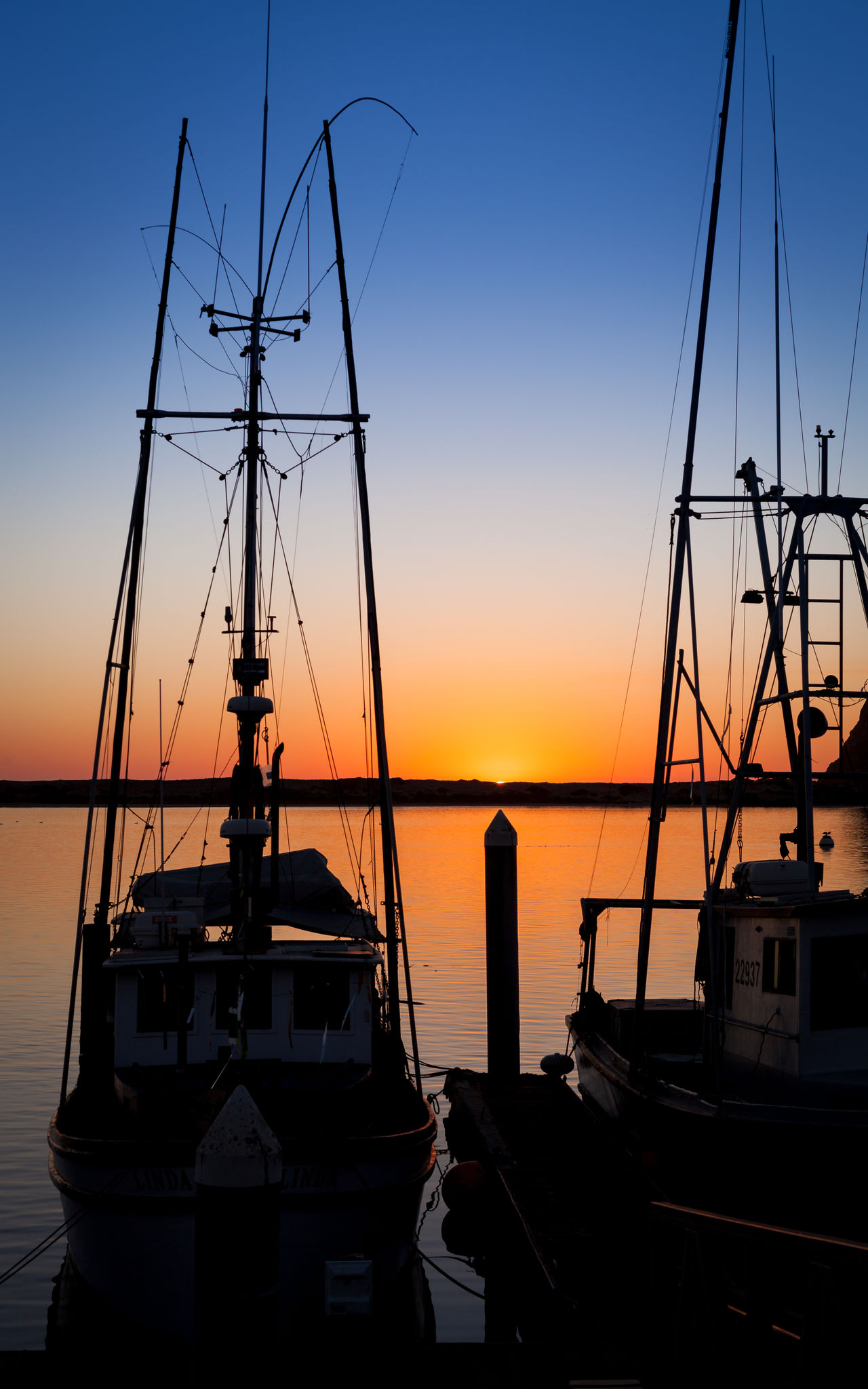 Boat Mast Nautical Vessel No People Outdoors Rigging Romantic Sky Sailboat Sailing Sailing Ship Sea Silhouette Sky Sunlight Sunset Sunset Silhouettes Water