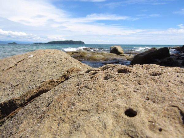 Last throwback post for now :) Island Pulau Sea Rocks Beach Outdoors Throwback Sky Homesick  ASIA in Sabah , Malaysia