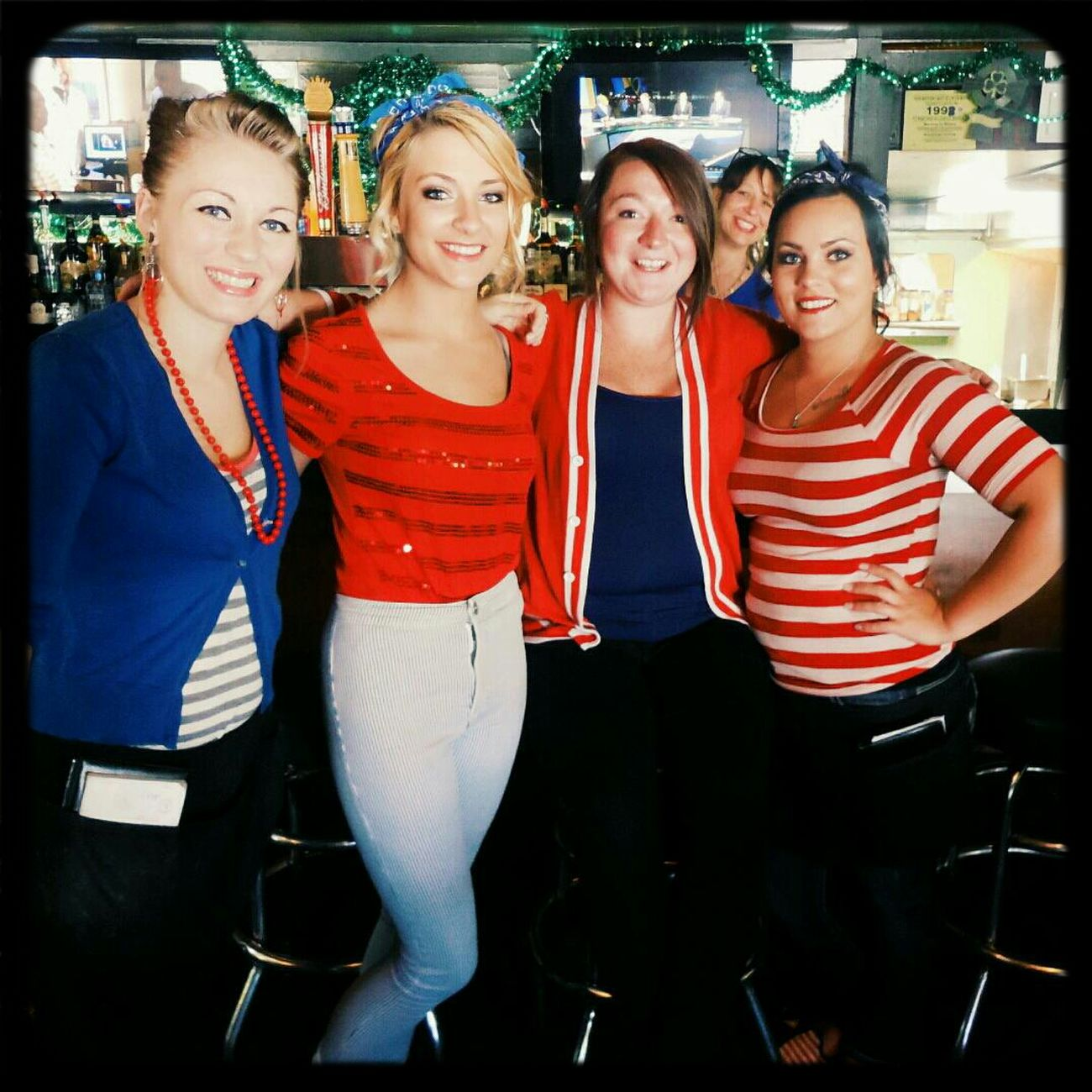 Fourth of July Waitresses ! Patriotic Bar Lovelyladies