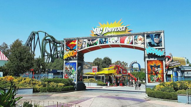 Rollercoasters & Superheroes Six Flags Six Flags Magic Mountain Rollercoaster Summer Days Dc Universe Batman Colorful Superman Wonder Woman The Flash Just For Fun Southern California Colors And Patterns