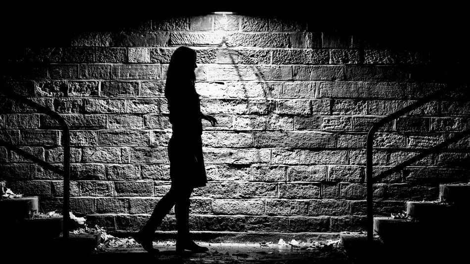 Film Noir | #SPBLOG Have a look at: www.sp-blog.com Black & White Black And White Blackandwhite Dark Darkness And Light EyeEm Best Edits EyeEm Best Shots EyeEm Best Shots - Black + White Filmnoir Filmnoire Filmnoirmood Full Length Hitchcock Long Exposure Outline Silhouette