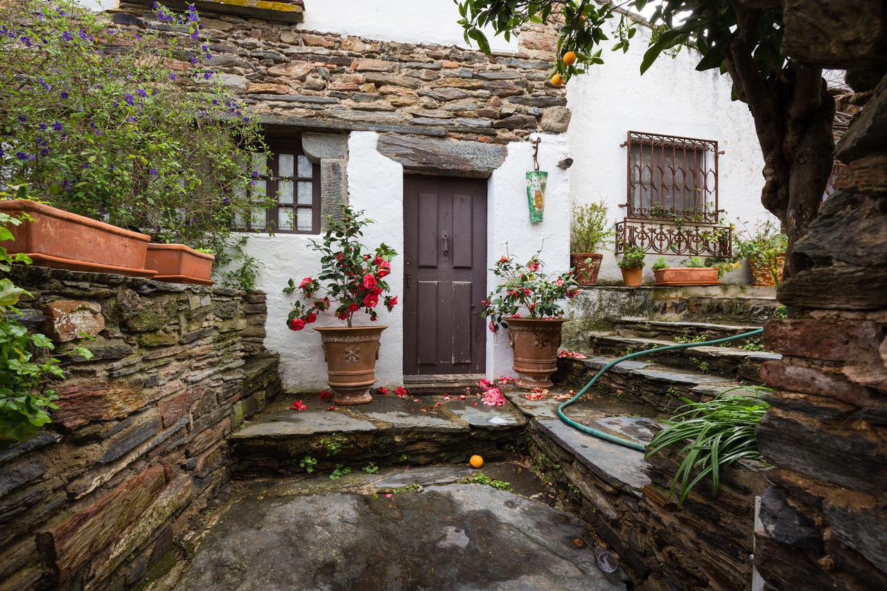 Typical house in Alentejo, Portugal Architecture Building Exterior Built Structure Day Door Doors Entrance Entry House Monsaraz No People Outdoors Portugal Portuguese Reguengos Reguengos De Monsaraz Reguengosdemonsaraz Typical Typical Houses
