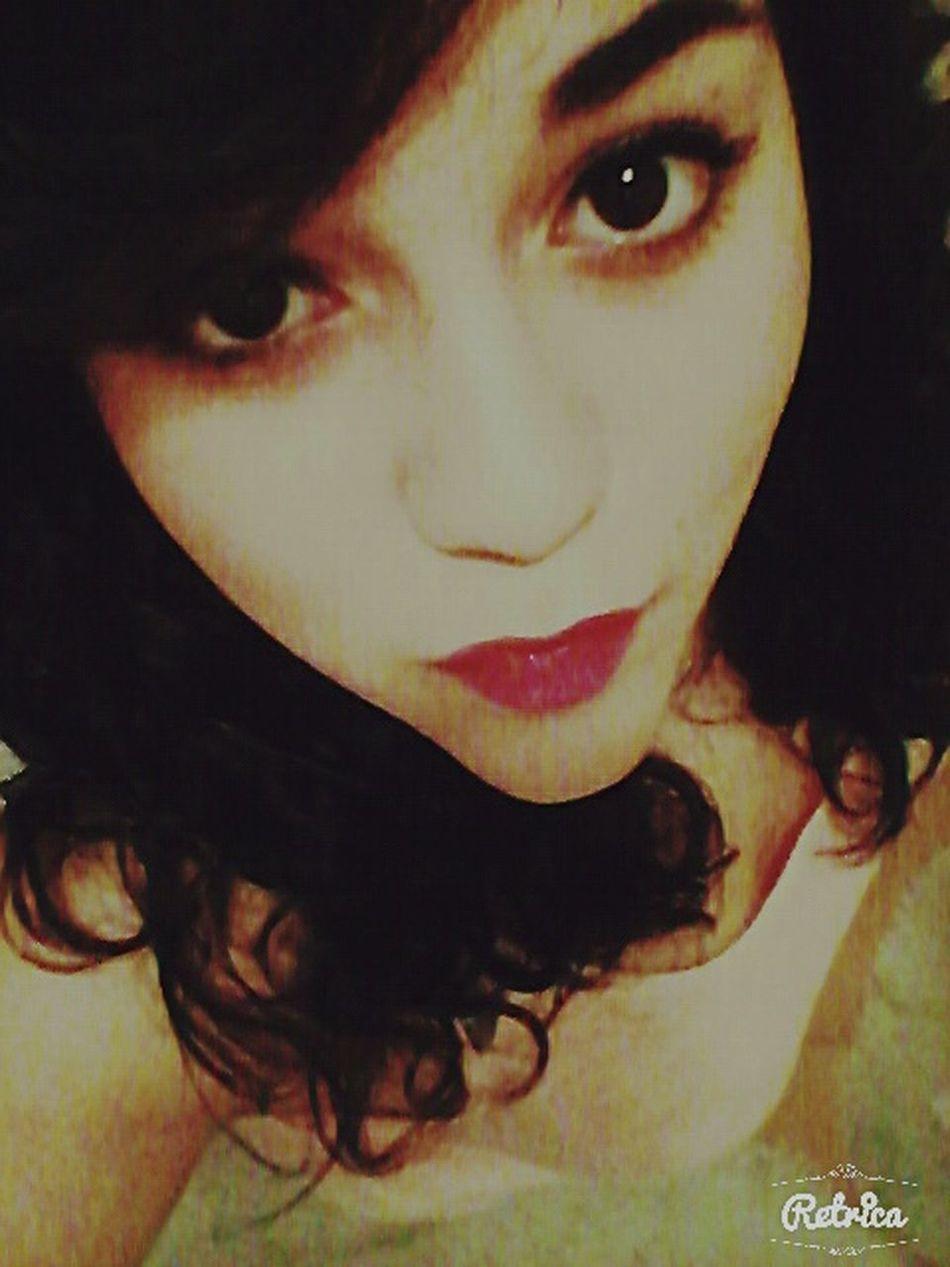 Girl Redlips💋 Beautifullips GoingOut Bigeyes Kiss