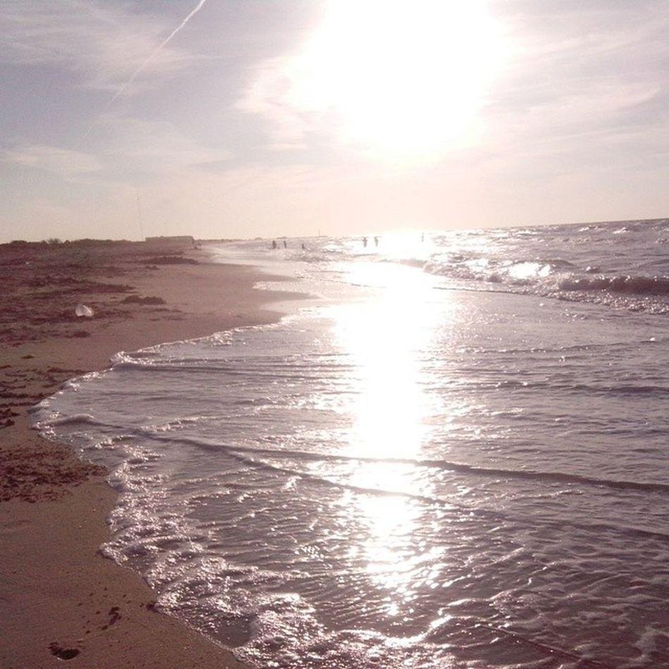 Ver el atardecer en la playa ... Itsamazing ! AmazingGod !