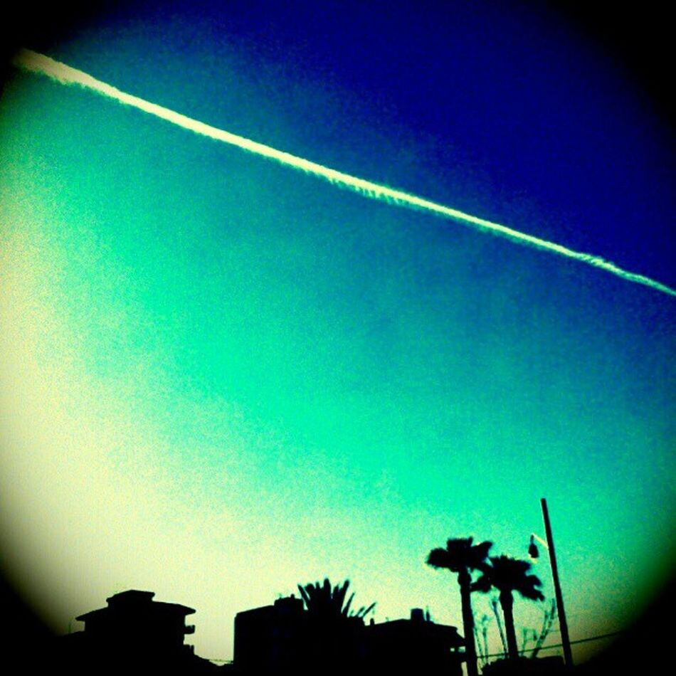 """Surfin' on a rocket"" (cit.) Air Surfin Rocket Surfinonarocket atmos sky skyline shadows landscape lanscape_lovers ig igers igerspalermo igersicilia sicilia palermo sicilia_nel_cuore sicilia_nel_sangue instagramopolis"