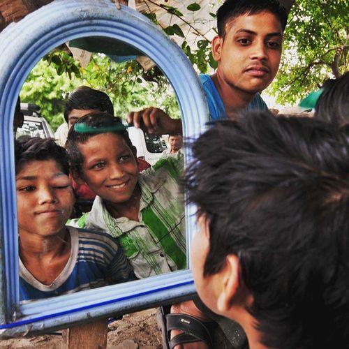 Hindustan_times road side romeos slumm kids check their style at road side barber InstawithHT Daily Life Slum Kids Style Fashion Travel_diary Chandigarh Romeos Roadsideromeos