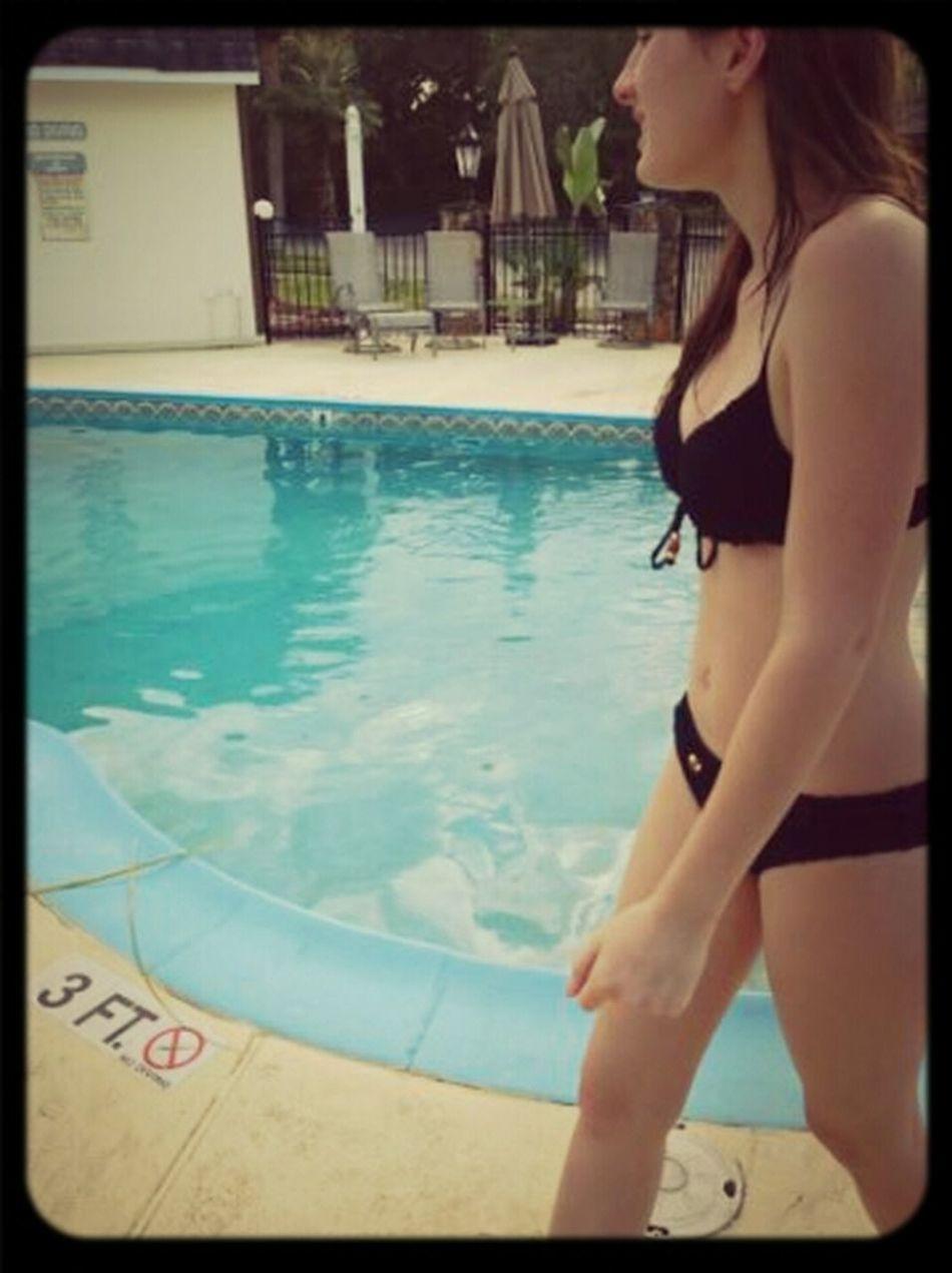pool side :*