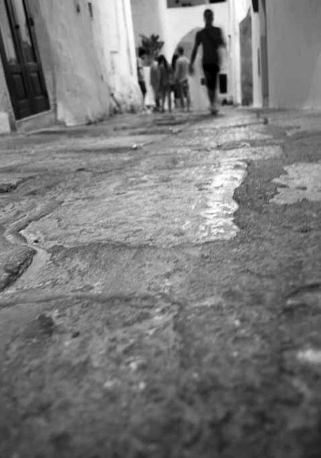 Ostuni Biancoenero Persone Strada Camminare Mattoni Pietra Up Close Street Photography