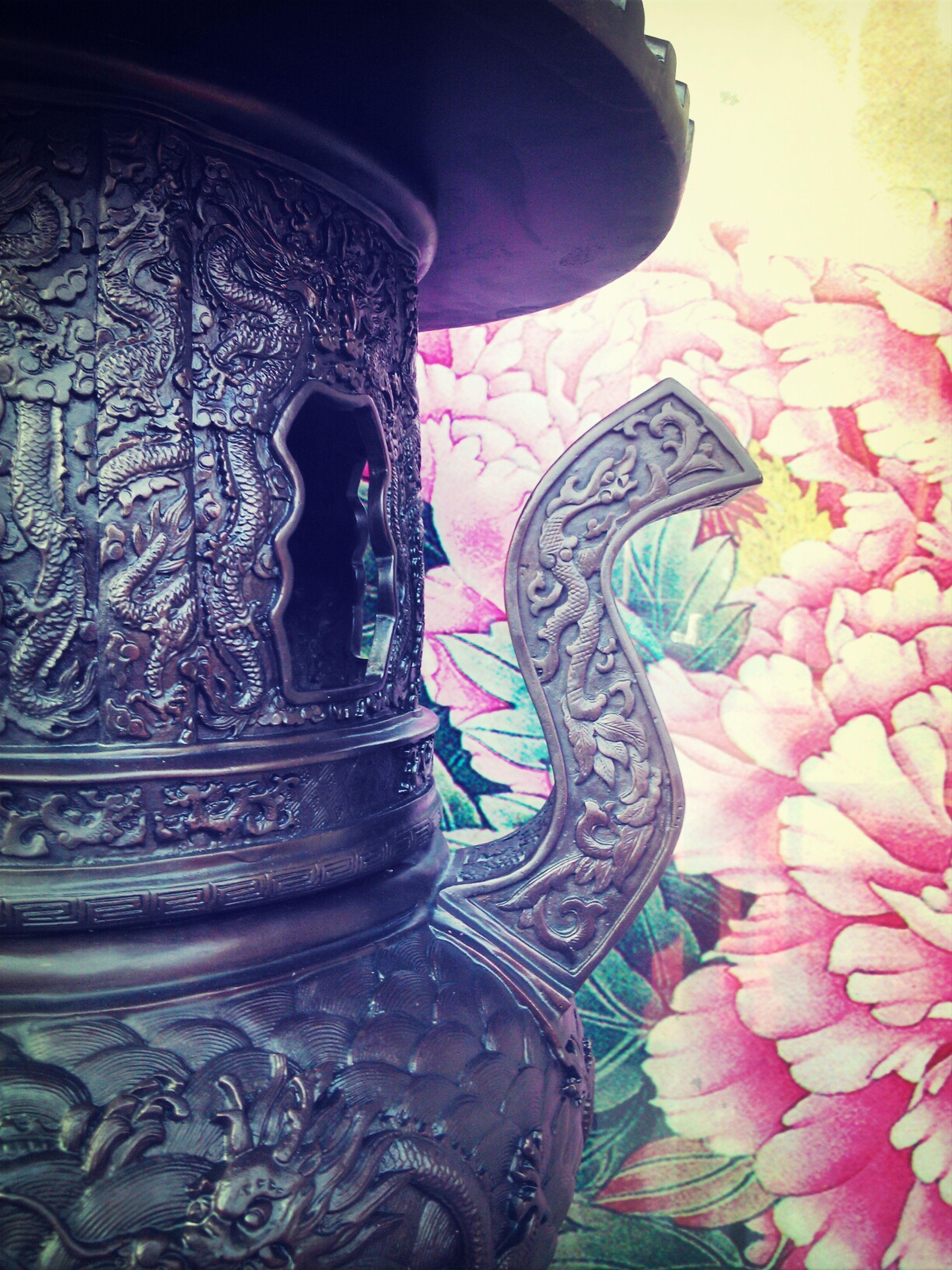 art and craft, art, creativity, flower, statue, sculpture, wall - building feature, indoors, ornate, animal representation, human representation, carving - craft product, design, decoration, close-up, built structure, floral pattern, architecture, no people