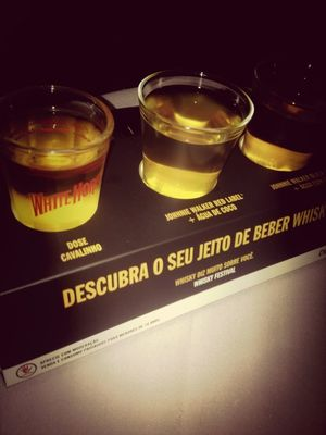 johnnie walker at Californios by Hugo Marques