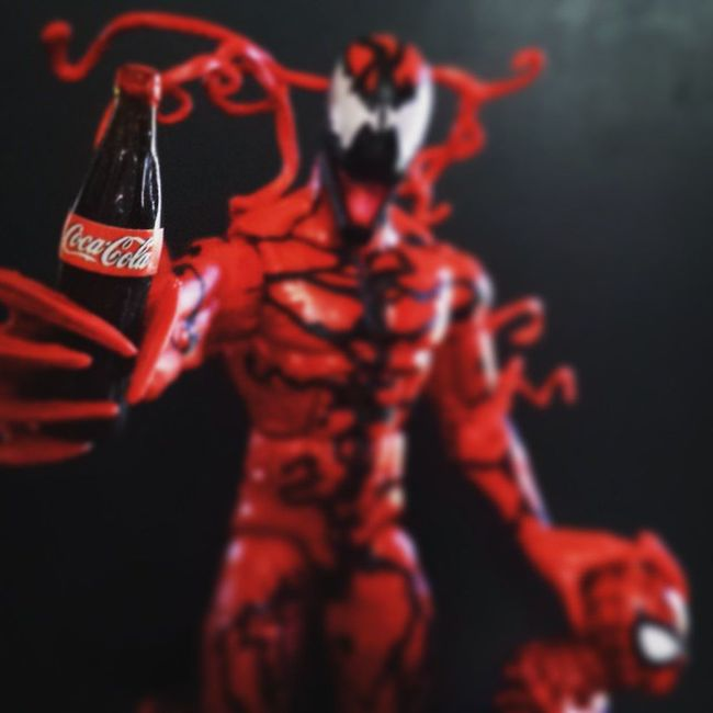 """Share a coke with your enemies."" ➖➖➖➖➖➖➖➖➖➖➖➖➖➖➖➖➖➖➖ Marvel Toys Actionfigures Collectibles Marvellegends Carnage Spiderman Toyfigures ToyPoses Toyphotography Toyelites Toyslagram Toyunion Toyartistry Toyartistry_elite Toyslagram_toyartistry_dual_feature Toysnapshot Toyboners Toys4Me Rebeltoysclub Toygroup_alliance Ata_dreadnoughts Anarchyalliance Toyphotogallery Toysrmydrug"