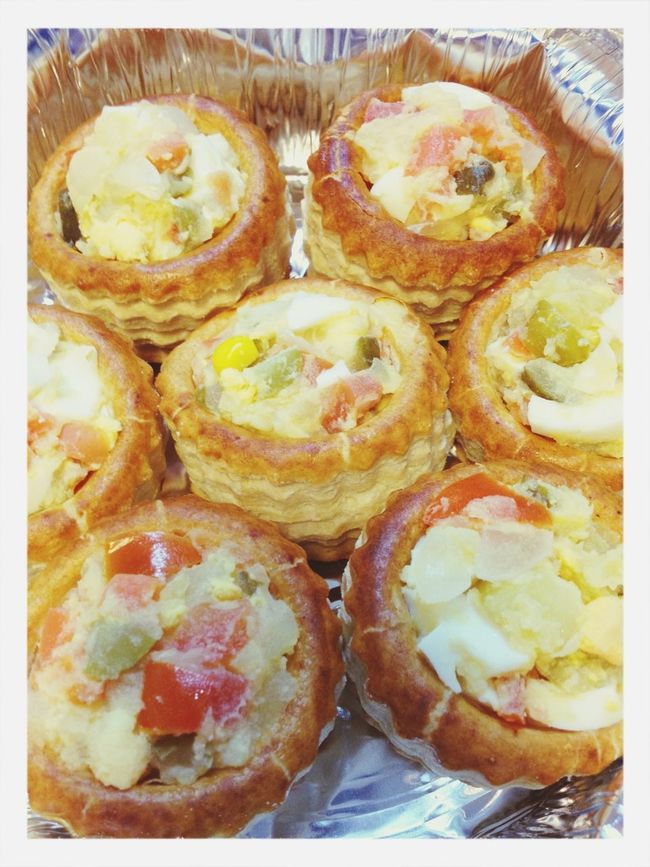 Russian salad (potato, tomato, carrot, onion, corn, egg and vinegar cucumber) vol au vent. Food Vegetarian Food French Food Vol Au Vent
