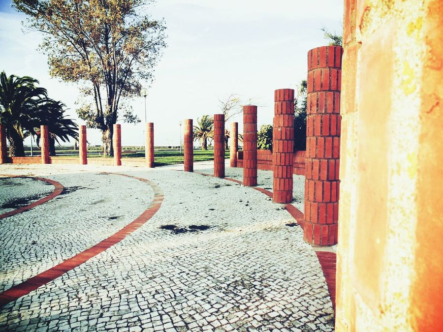 Learn & Shoot: Leading Lines Brick Columns Alcochete Colunas Tijolos From My Point Of View Eyeemphotography EyeEm Gallery EyeEm Best Shots