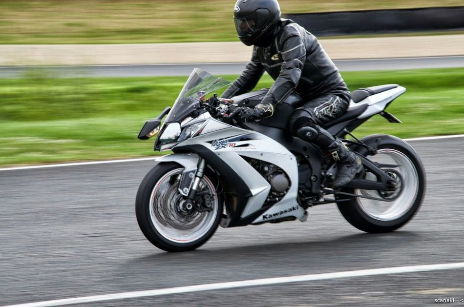 Scanaki Circuit Carole Promised Gifts Moto Bikers My Hobby Circuit Passion Zx10r The Action Photographer - 2015 EyeEm Awards D5100nikon D5100 Nikon D5100  NikonD5100 Nikonphotography