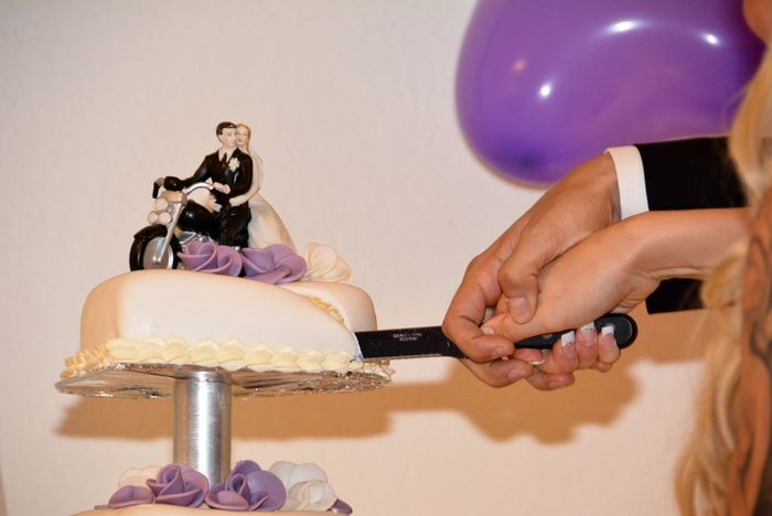 Wedding Cake Wedding Wedding Photography Wedding Day Wedding Party Weddingphotography Cutting The Cake Motorcycles Couple Knife