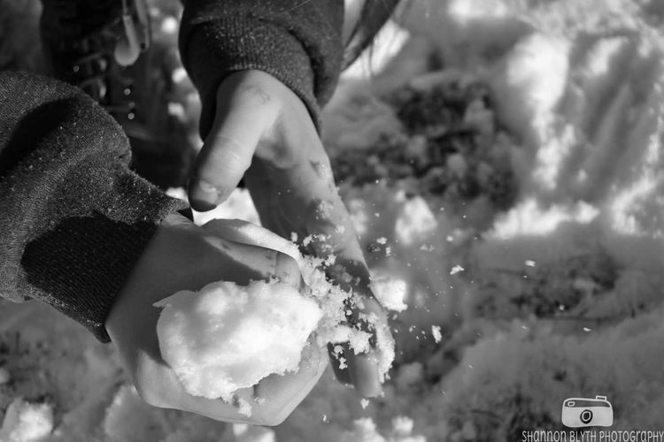 Outdoors Close-up Day Human Hand Real People Snow Snowball Snow Day Hand Hands Hand Photography High Speed Motion Capture Motion Blackandwhite Black And White Details Of Nature EyeEmNewHere