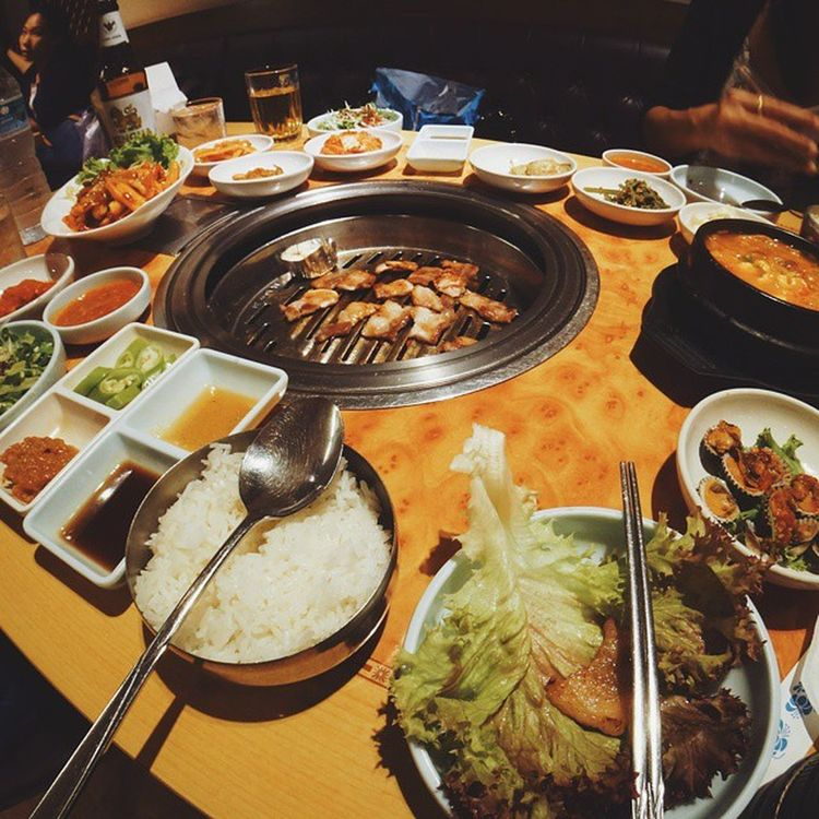 อาหารอร่อย แต่อาหารตาไม่ได้ ไม่มีโคเรียนให้แทะโลม เหมือนร้านบาบีคิวเกาหลี ที่สิงคโปร์ 555 ขอบคุณ @tonsikrab และ พี่ Supertoon ที่แนะนำร้านนี้มม SandwizInBKK Bangkok Koreantown BBQ Travel Sightseeing KoreanFoods