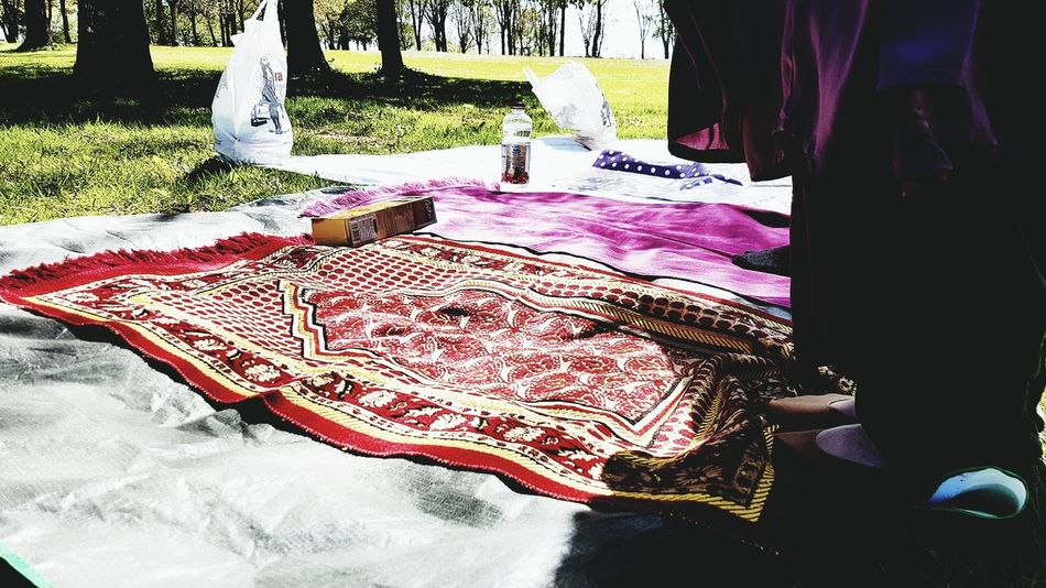 Textile Indoors  Day Bed No People Bedroom Nature Islam Muslimlife Islamintheworld Everywhere Picnic Time ♡ Namaz Praying Allah ❤❤ Sun Good Times