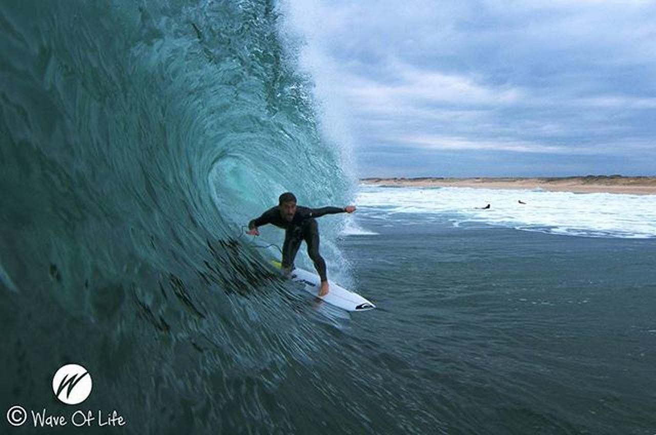 Free sessions in Culs Nus whit @aritz_aranburu 📷@berto_waveoflife Surfers Surfer Surfphoto Surfphotography Surfpics Surfparadise Waveoflife Waves Atlanticocean Francesurf France Capbreton Barrel Surf Surfing Culsnus Cloudday Goaritz Pukas Quikprofrance Quickpro Freesession Quicksilver Hossegor