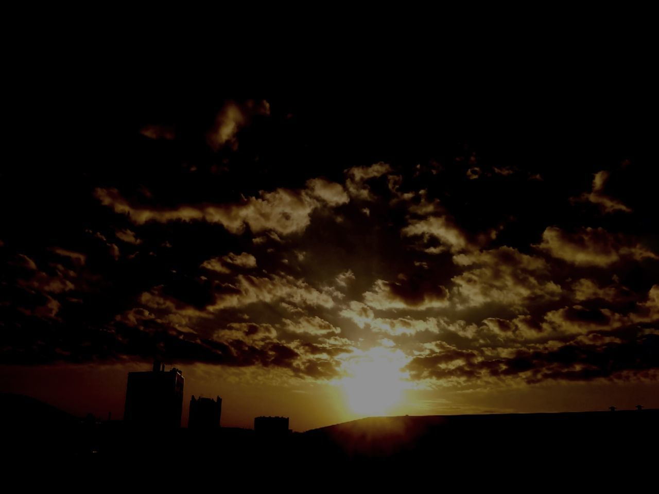 sunset, silhouette, sky, nature, sun, cloud - sky, beauty in nature, no people, scenics, tranquil scene, building exterior, outdoors, tranquility, architecture, city