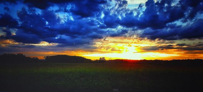 Natural Beauty Nature On Your Doorstep Window To The World Rays Of The Sun Landscape_Collection Tennessee Landscape_photography Countryside Countryside Glamour Country Life Wide Open Spaces Great Outdoors Clouds And Sky Beautiful View Natures Beauty Color Of Life Country Road Sunsetporn Sunset_collection Sunset And Clouds  Taking Photos Nature At Its Best