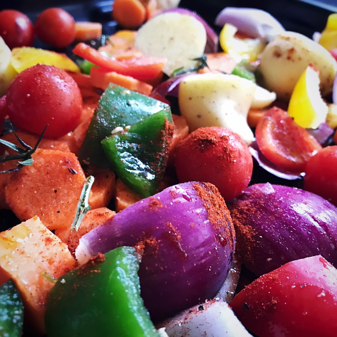 Let's roast some veg... Roasted Vegetables Cooking Preparations Mixed Vegetables Smoked Paprika Garlic Clove Olive Oil Soup Ingredients